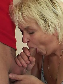 Wicked Fatty Female Feels Two Warm Peckers in Wet Hair Snatch