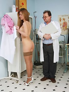 Sexy Babe Teased by Doctor During Regular Checkup