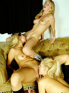Naked Sexy Females Taste Each Other Juicy Cunts after Dinner