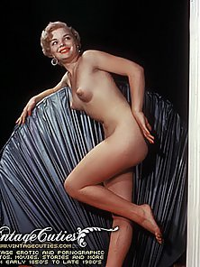 Hot Vintage Nude Pictures of Sizzling Fully Naked Sluts