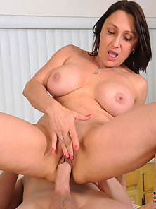 Lovely Lady Jillian Foxxx after Sucking Fucked Hard by Dude in Various Ways