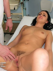 Dark Haired Babe Got Muff Rubbed by Doctor after Examine