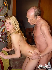 Tattooed Cute Blonde Makes Romance with a Cleaning Man