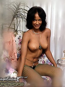 Big Booby Blonde Babe Bathing With Nude Style in Vintage Photo