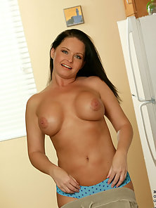 Gorgeous Milf Maya Exposing Her Naked Body with Boobs Rubbing