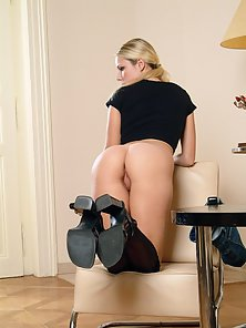 Pantyhose Wearing Blonde Tereza Shows Her Shaved Muff