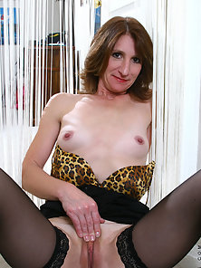 Mature Lady Wearing Black Stocking Enjoying Solo Photoshoot