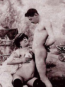 Attractive Blowjob Skill Shown In Vintage Sex Photographs