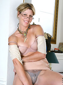 Mature Secretary Stripping Dress and Showing Naked Parts