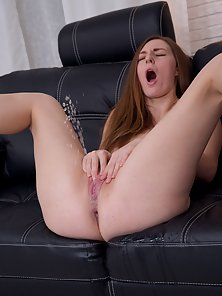 Sizzling Girl Masturbates by Huge Dildo on Webcam