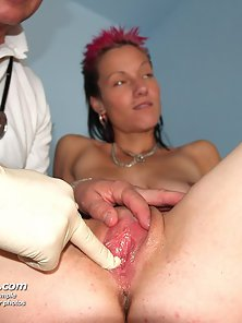 Round Boobs Babe Demi Check Up Her Body from Gynic Doctor