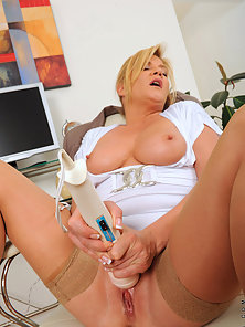 Blonde Babe Rubbing Pussy Using Vibrator for Orgasm