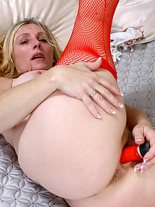 Chubby Lady Wearing Red Stocking Masturbating Herself Using Sex Toys