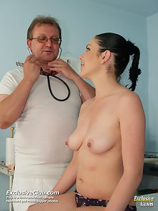 Round Boobs Whore Takes Pink Muff Fingering from Physician