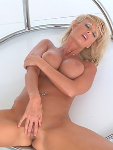 Short Haired Blonde Finger Her Pink Pussy on Webcam