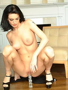 Pierced Cunt Brunette Babe Enjoys Toying by Herself