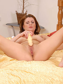 Hot Beauty Spreading Legs and Fucking Herself Using Sex Toys