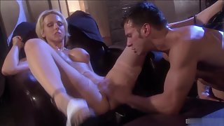 Blonde Spreads Legs and Let Boyfriend Licked Pussy