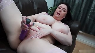 Chubby Lady Dildoing Herself Using Toys for Solo Masturbation Pleasure