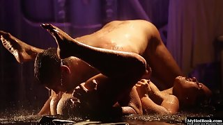 Naomi Bennet with Her Hubby Enjoys Hardcore Hammered in Rain