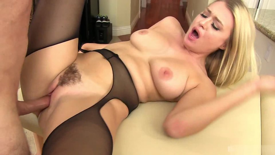 Blonde Giving Headjob to Her Dashing Dude in Doggy Style