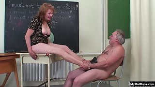 Mature Lady Enjoying Nipple Sucking and Deep Fucked by Old Dude