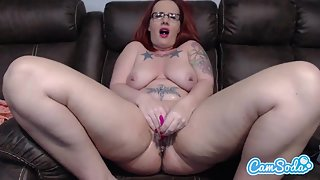 Red Hair Debra Hannxxx with Nice Tattoo Rubs Her Twat and Fucked by Dildo in Solo