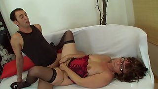 Mature Lady Took Dick Inside Mouth As Well As Pussy in Room