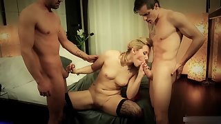 Stunning Blonde Babe Scarlett Johnson Sucking Big Dick in Threesome Sex