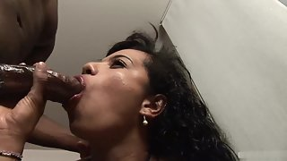 Passionate Whore on Webcam Blowing Fertile Huge Schlong