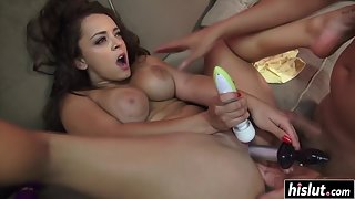 Lovely Lady Giving Blowjob and Making Lots of Fun with Boyfriend