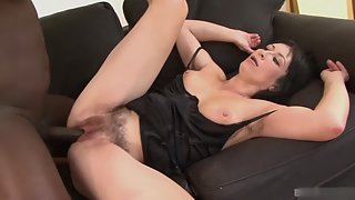 Mature Lady Sucking Black Dick and Enjoying Hardcore Sex