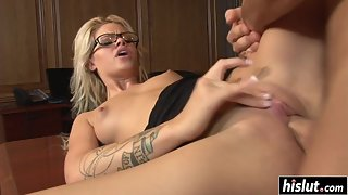 Bubble Ass Babe Jessa Rhodes Deepthroat Her Boyfriend Big Cock