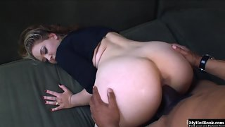 Round Boobs Kiara Marie Before Sucking Gets Fucked in Interracial Sex