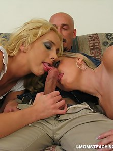 Blonde Heather and Kelly Gives Duo Blowjob to Bald Dude