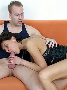 Mature Lady Got Nipple Sucked by Hunky Man