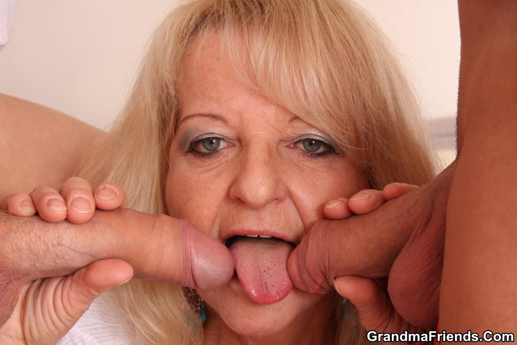 Granny gives blowjob all