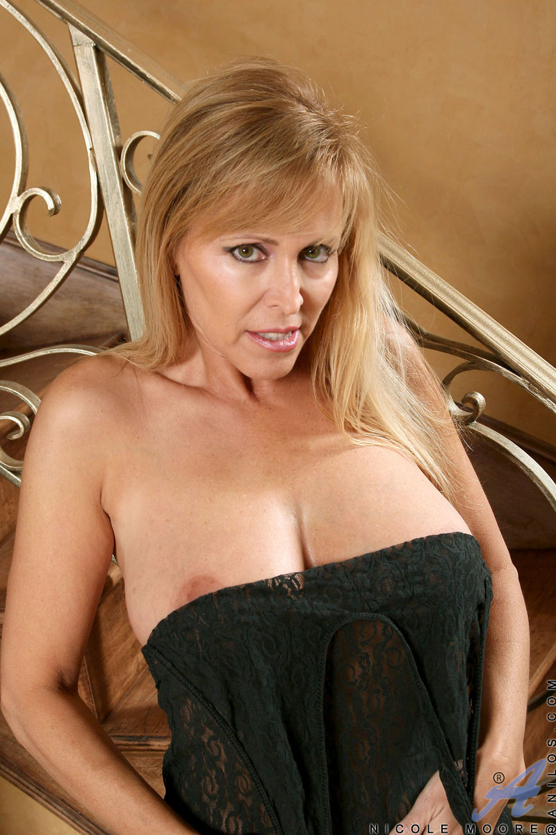 Moore star mrs porn