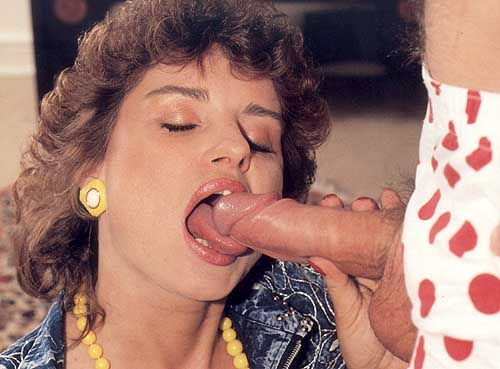 Curly Hair Sexy Mom Gets Fucked In Her Anus After Head