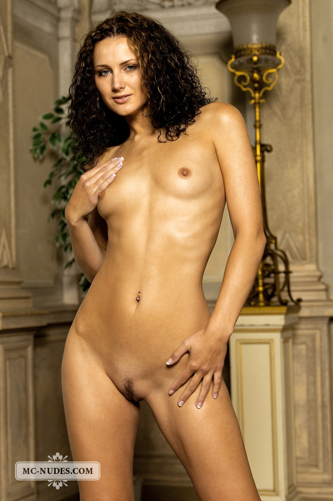 Curly Hair Girls Naked