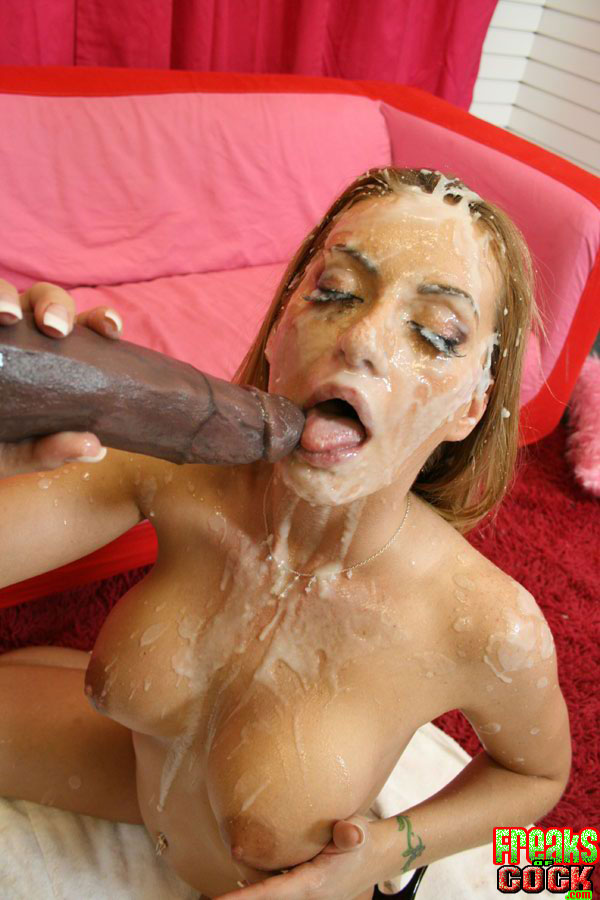 cam-shemales-freakish-cumshots-over
