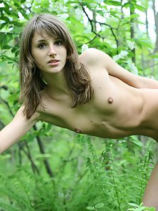 Nude Girl Posing Outdoors in Jungle for Photoshoot