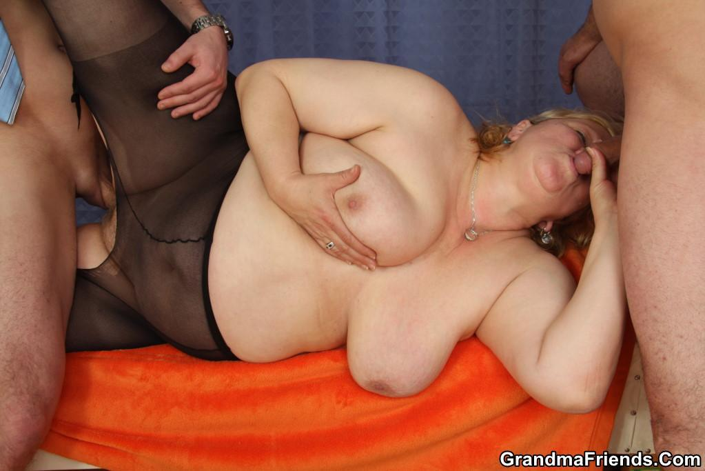 Granny anal squirting sex
