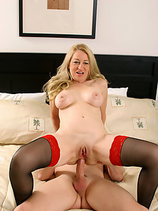Blonde slutty mature in stockings enjoys anal ramming