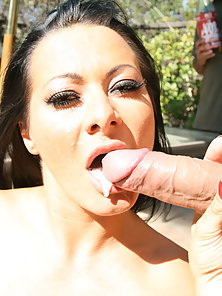 Brunette Girl Outdoors Sucking Cock and Making Hard for Sex