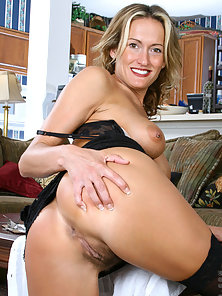 Hot Secretary Showing Her Solo Masturbation In Front of Camera