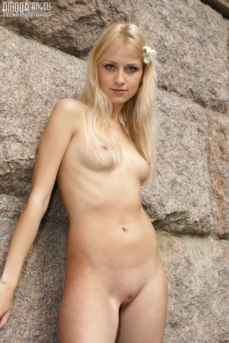 nude women in hot figure