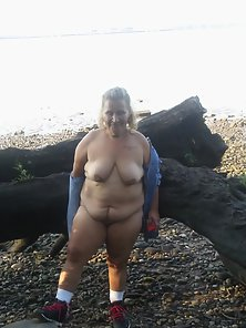 Me in the woods nude - Amateur mature lady shows off her body