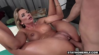 Sexy busty milf gets her pussy fucked and takes cumshot