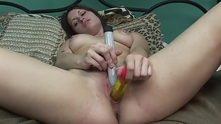 Lovely Lady Spreading Legs and Making Fun through Masturbation